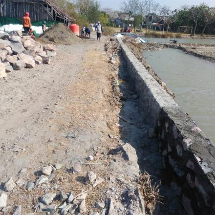 Pembangunan Jalan Ke Pantai